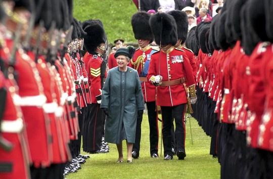 Donald Trump lies about Honour Guard when he met the Queen | Metro News
