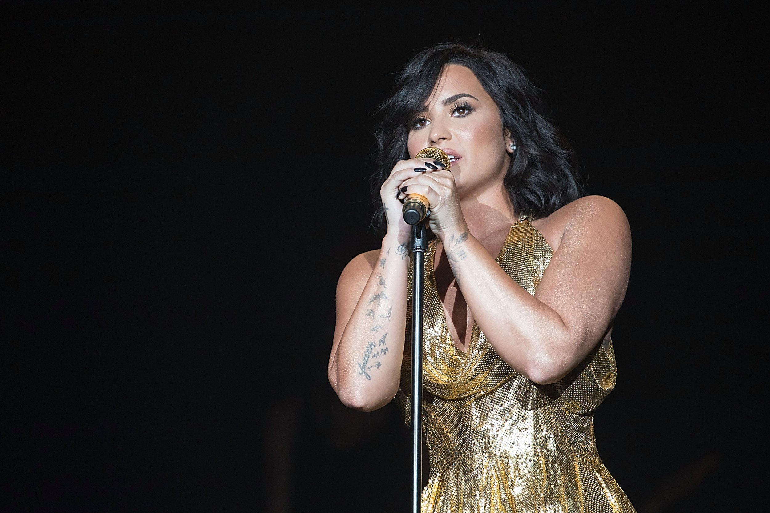 Demi Lovato 'agrees to go straight to rehab' at live-in facility after hospital