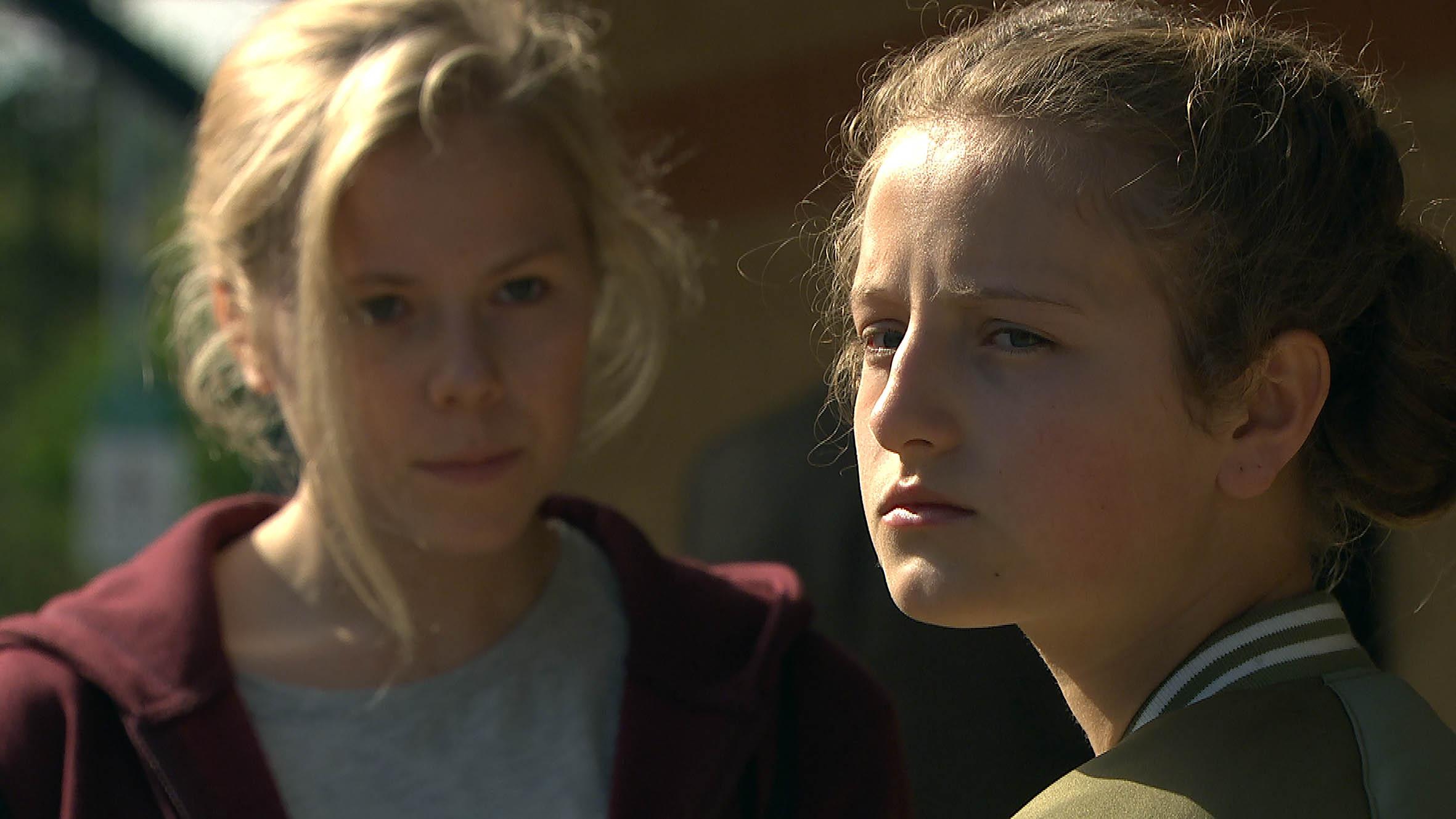 Amelia and Beth make plans in Emmerdale