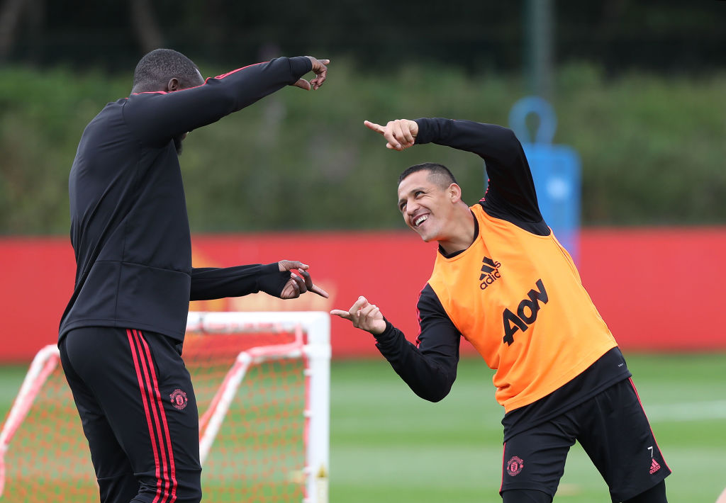 Alexis Sanchez winning battle to be fit for Manchester United showdown with Tottenham