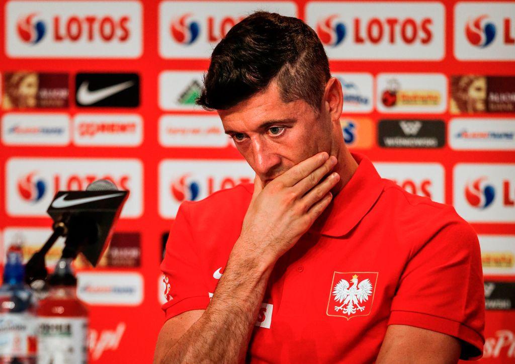 Bayern Munich send message to Chelsea and Manchester United over Robert Lewandowski transfer