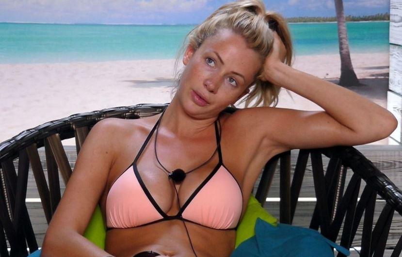Olivia Attwood savagely trolls recent Love Island splits: 'They're dropping like flies'