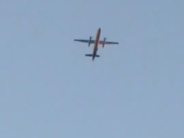 A Horizon Air Bombardier Dash 8 Q400, reported to be hijacked, flies over Fircrest, Washington, the U.S., before crashing in the South Puget Sound, August 10, 2018 in this still image taken from a video obtained from social media. Leah Morse/via REUTERS THIS IMAGE HAS BEEN SUPPLIED BY A THIRD PARTY. MANDATORY CREDIT. NO RESALES. NO ARCHIVES.