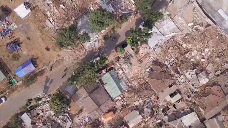 Drone footage reveals devastation left on paradise island Lombok after earthquake