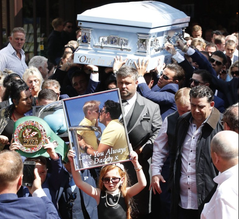 ?? Licensed to London News Pictures. 21/08/2018. Ashtead, UK. Paddy Doherty (L) carries the coffin of his nephew Mikey Connors from St Michaels Church in Ashstead. 32 year-old Mikey Connors, the nephew of My Big Fat Gypsy Wedding star Paddy Doherty, was killed when his horse-and-cart was hit by a car in Thamesmead on July 28. Photo credit: Peter Macdiarmid/LNP