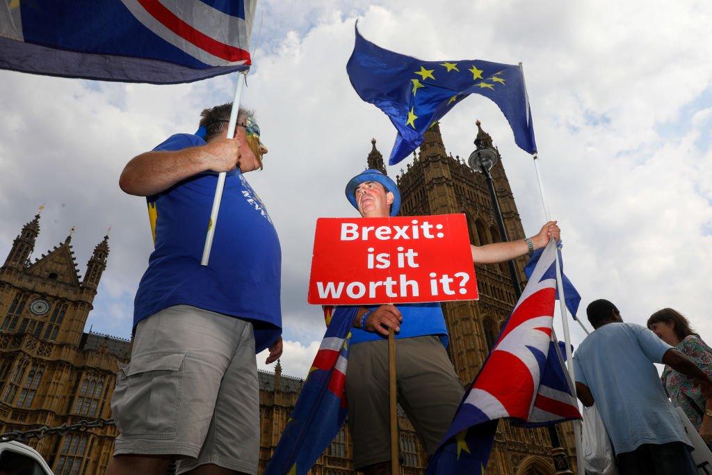 Major union backs calls for public vote on final Brexit deal