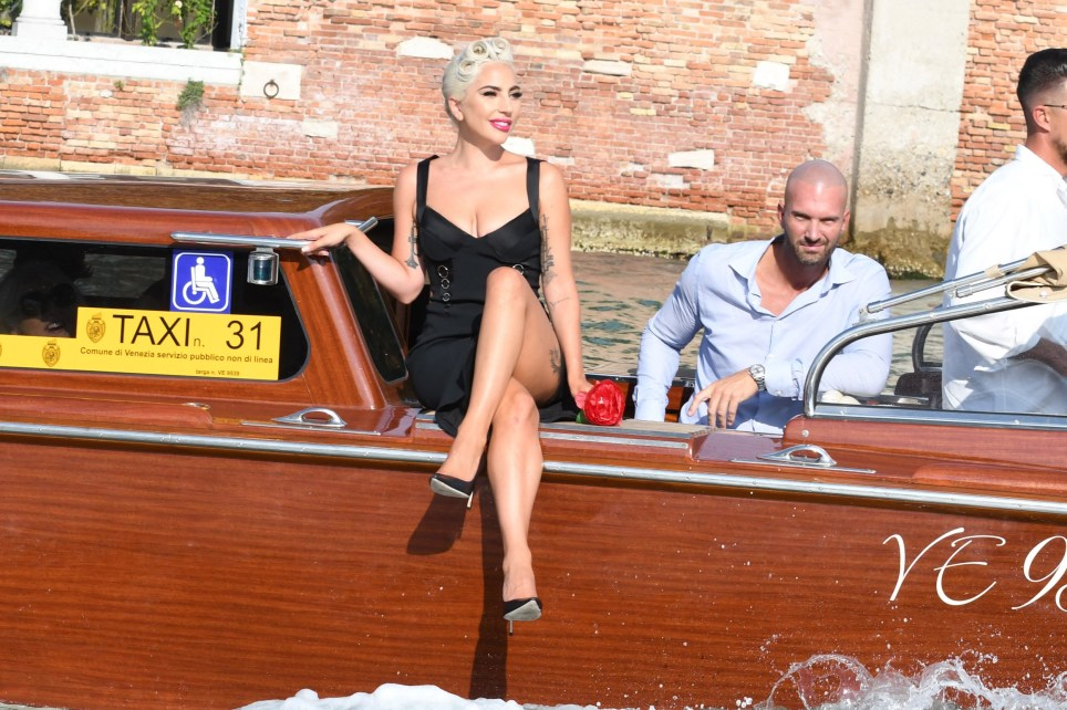 Lady Gaga and Boyfriend arrives in Venice, Italy. Pictured: Lady Gaga Ref: SPL5019345 300818 NON-EXCLUSIVE Picture by: Gigi Iorio / SplashNews.com Splash News and Pictures Los Angeles: 310-821-2666 New York: 212-619-2666 London: 0207 644 7656 Milan: +39 02 4399 8577 Sydney: +61 02 9240 7700 photodesk@splashnews.com World Rights,