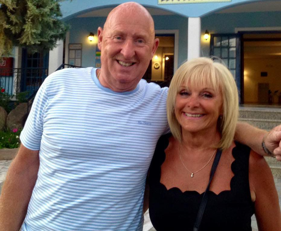 John and Susan Cooper who both died while on holiday in Egypt. Thomas Cook Egypt From https://www.facebook.com/AndonisVontelas/photos?lst=100004036790984%3A666610500%3A1535038882&source_ref=pb_friends_tl ANDONIS VONTELAS FACEBOOK