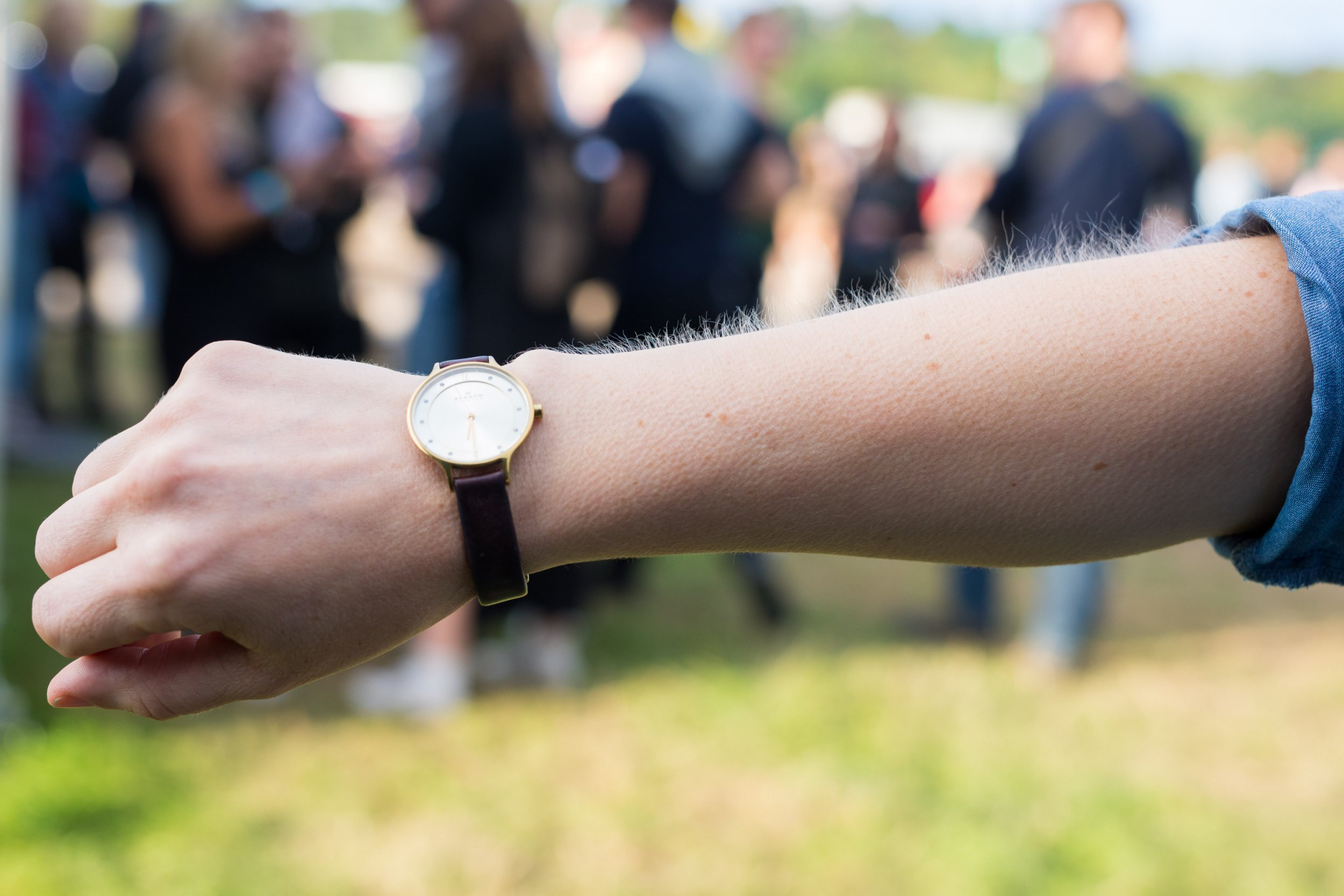 ***EMBARGOED UNTIL 00.01HRS WEDNESDAY 12 SEPTEMBER 2018*** Goose bumps on a man's arm. See SWNS story SWGOOSE; Goose bumps are good for your mental wellbeing, experts have claimed. Researchers who studied 100 test subjects believe goose bumps experienced when watching live entertainment put us in a positive mindset - boosting our mental health. The claims were made by Robin Murphy from the University of Oxford and Matthew Sachs from Harvard University. And those who experience the sensation also tend to be in better physical health, are more creative and friendlier than those who don???t, according to the study. Participants in the study watched a 45 minute performance at a summer music festival - 55 per cent said they experienced goose bumps during it and the rest did not. The researchers then asked them about their outlook on life, how empathetic they are, perceptions of their own mental and physical health and more - before comparing the findings. Carried out to celebrate the benefits available to cardholders through Barclaycard Entertainment, the study follows previous studies which identified live music as one the biggest causes of goosebumps.