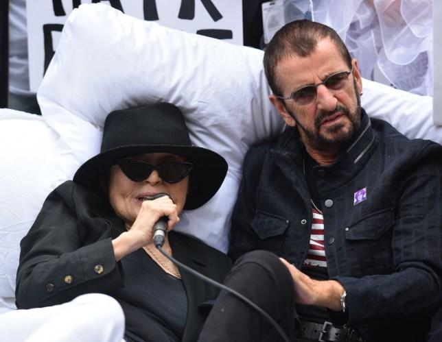 """The Beatles Polska: Yoko i Ringo odtworzyli akcję """"Bed-In"""" w Nowym Jorku"""