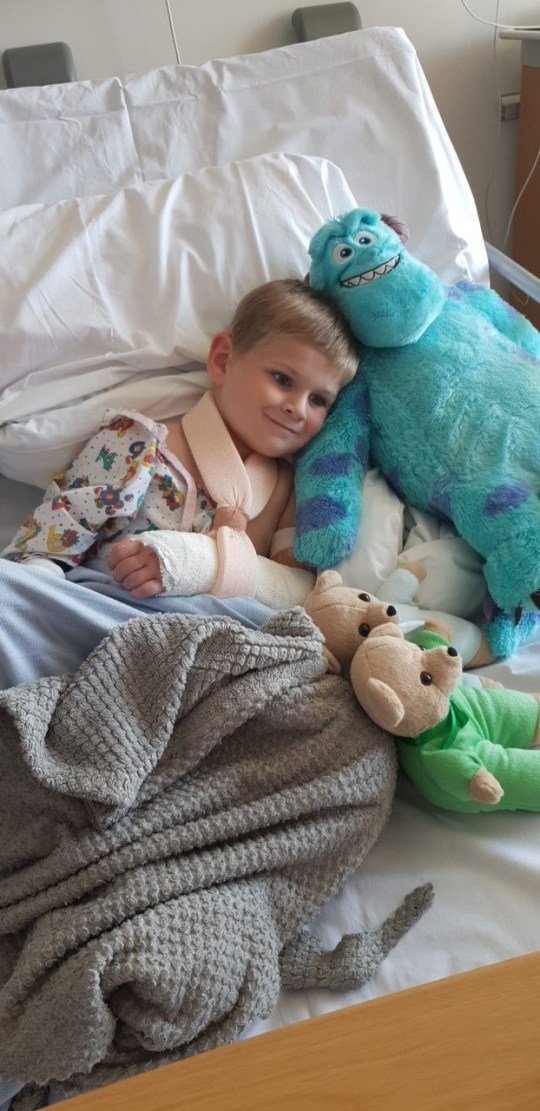 Picture of Harrison Day in hospital. He who broke his arm quite badly after trying to jump off his slide with an umbrella on Wednesday evening after seeing YouTube videos of characters flying with an umbrella on the Fortnite computer gamevisitors. Pictured in hospital TRIANGLE NEWS 0203 176 5581 // contact@trianglenews.co.uk by Chiara Giordano A horrified mum is warning parents to keep their young children away from Fortnite after her four-year-old son broke his arm while attempting to ?float? off a slide using an umbrella. Little Harrison Day missed his first day of primary school after snapping his arm while copying the popular online computer game. Mum Charley Dale, 31, had tucked him safely into bed, but the youngster sneaked to his older brother Joshua?s bedroom where the nine-year-old was watching videos of the game on YouTube. *Full copy available*