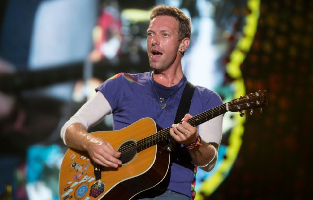 LA PLATA, ARGENTINA - NOVEMBER 14: Chris Martin of Coldplay performs during the 'A Head Full Of Dreams' Tour at Ciudad de La Plata Stadium on November 14, 2017 in La Plata, Argentina. (Photo by Santiago Bluguermann/Getty Images)