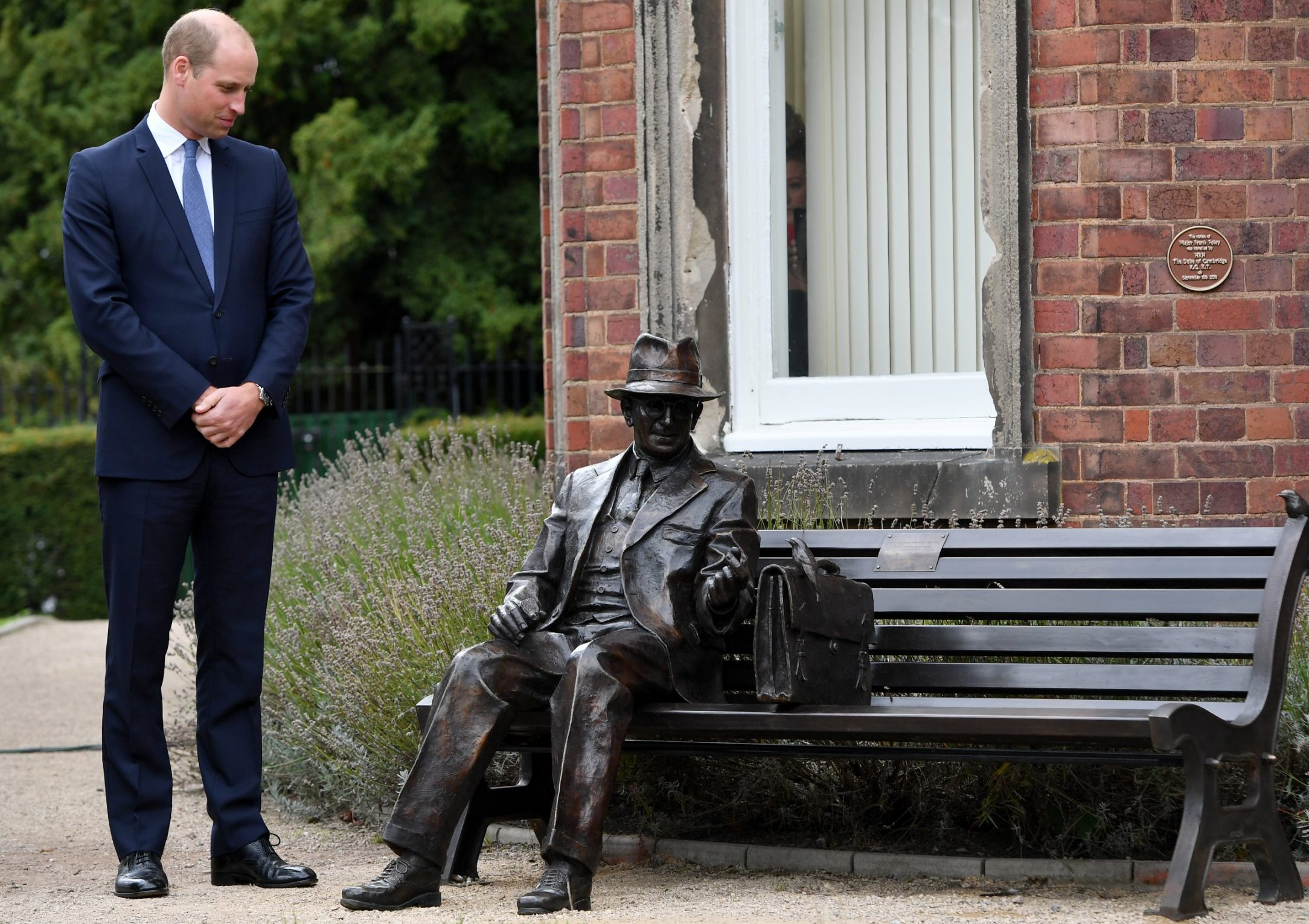 STOURBRIDGE, ENGLAND - SEPTEMBER 18: Prince William, Duke of Cambridge unveils a new sculpture of Major Frank Foley by artist Andy de Comyn on September 18, 2018 in Stourbridge, United Kingdom. Major Foley was a British Intelligence Officer for the Embassy in Berlin where he bent the rules to allow thousands of Jewish families escape Nazi Germany. (Photo by Anthony Devlin/Getty Images)