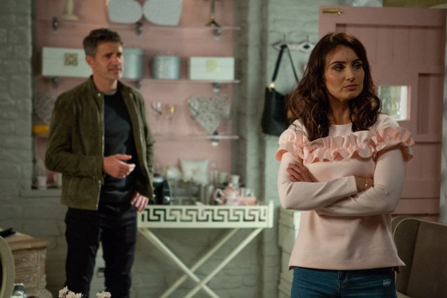 Leyla argues with Clive in Emmerdale