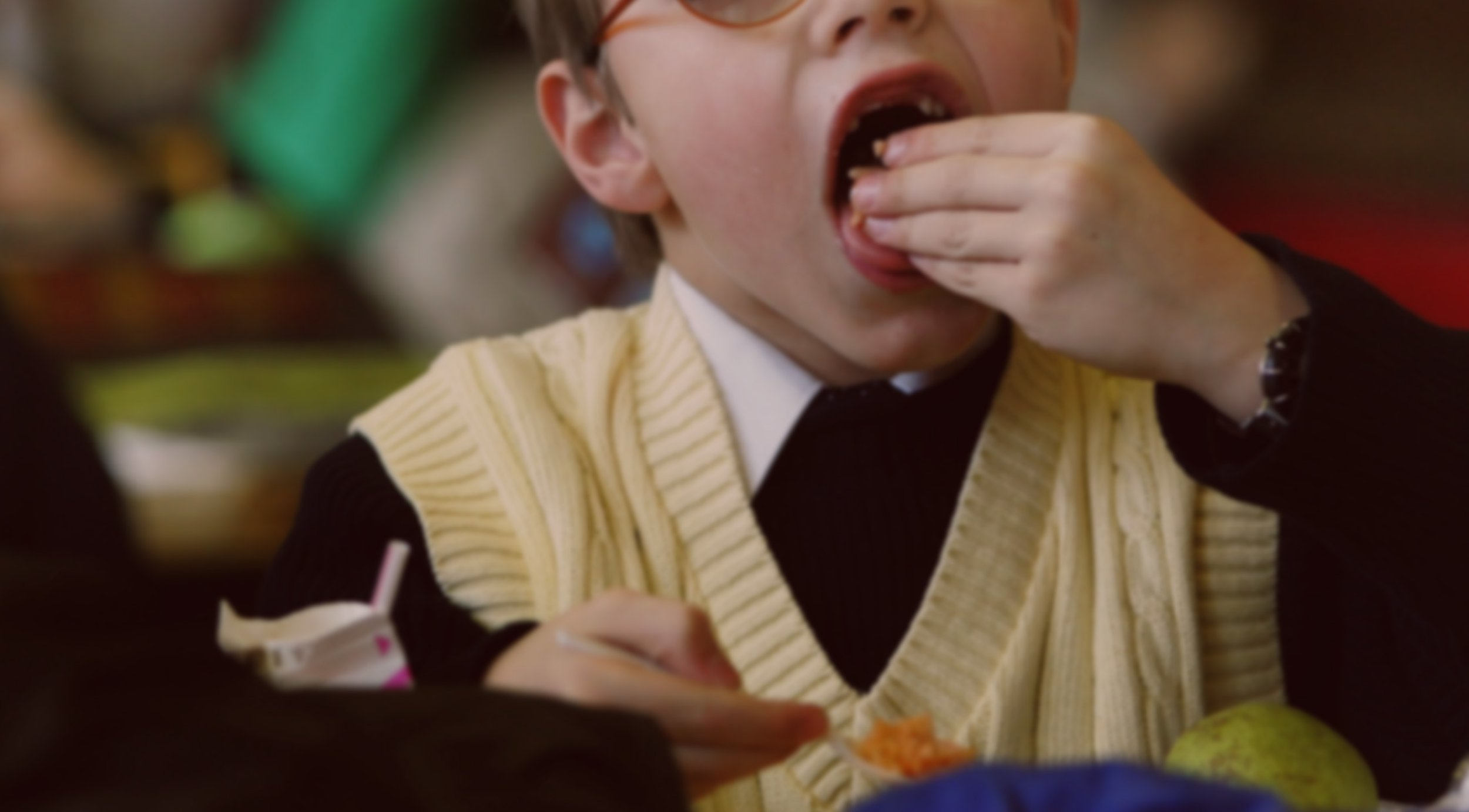 Children are so hungry at schools teachers are taking extra food for them