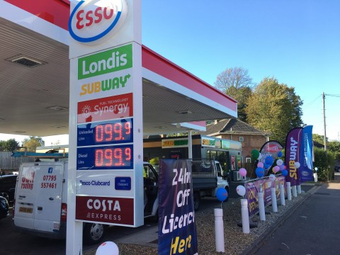 Garage starts selling petrol for 99p a litre and chaos ensues