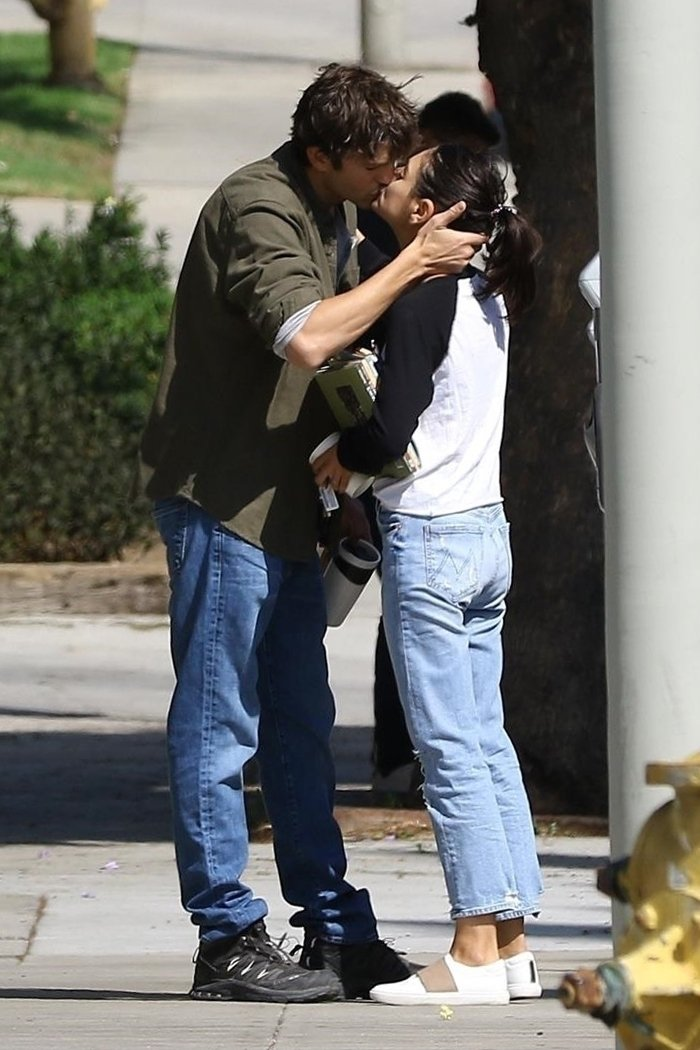 Los Angeles, CA - *EXCLUSIVE* - Ashton Kutcher and Mila Kunis share a passionate kiss before parting ways. The couple who have been together for 6 years were seen joking around with a friend before sharing lots of kisses before they hop into separate cars. It seems the duo are still keeping the flame alive as they publicly show their love for each other with the touching moment. Pictured: Ashton Kutcher, Mila Kunis BACKGRID USA 5 OCTOBER 2018 BYLINE MUST READ: LESE / BACKGRID USA: +1 310 798 9111 / usasales@backgrid.com UK: +44 208 344 2007 / uksales@backgrid.com *UK Clients - Pictures Containing Children Please Pixelate Face Prior To Publication*