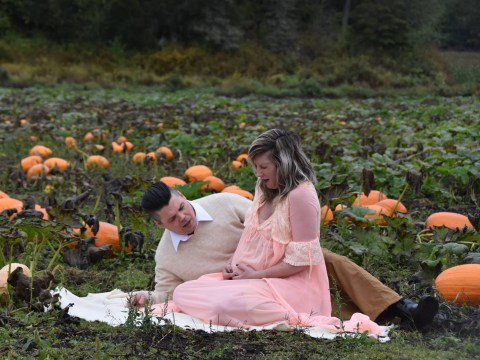 Couple's maternity photoshoot in a pumpkin patch has a hilarious twist