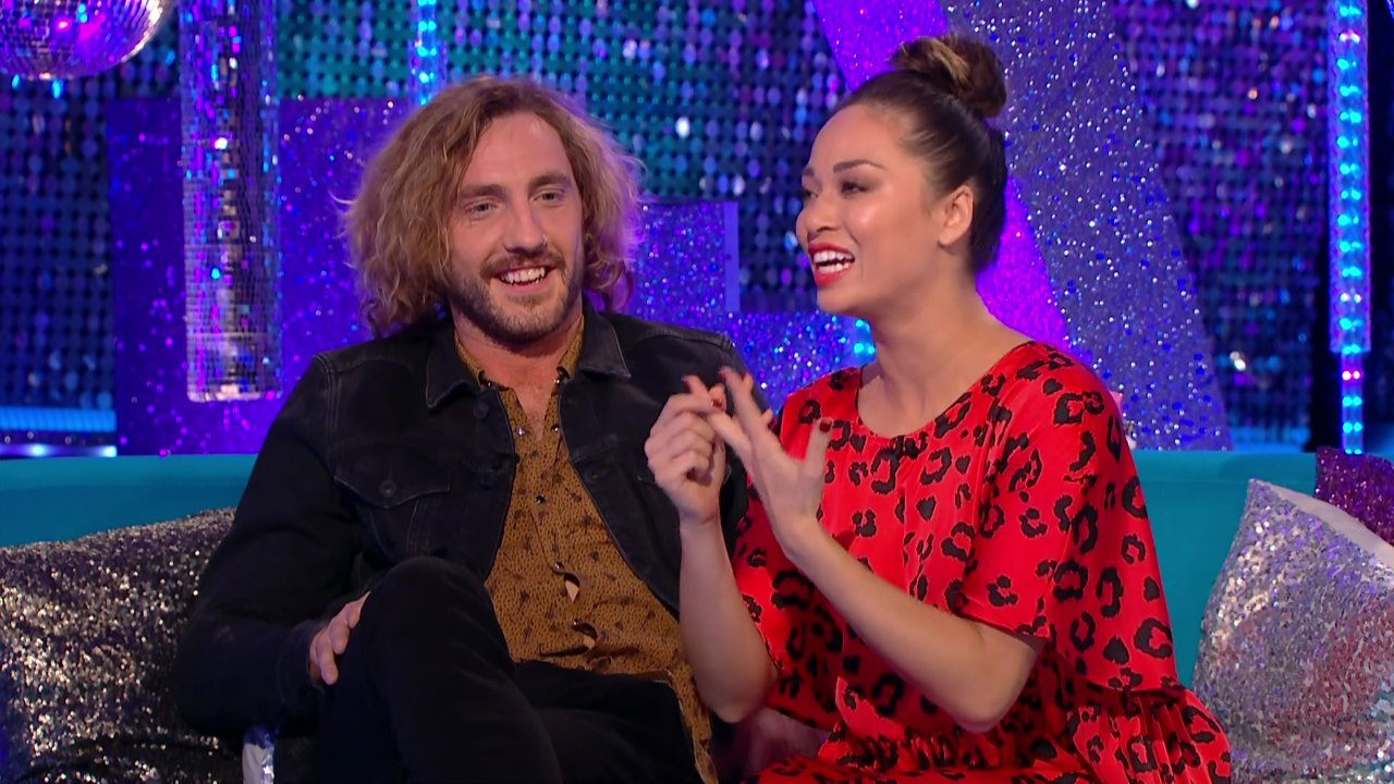 Strictly Come Dancing's Seann Walsh snubbed by fellow dancers as Vick Hope leaves show