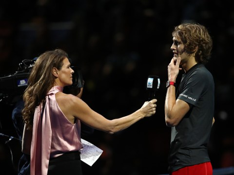 Alexander Zverev apologises as he's booed by O2 crowd after beating Roger Federer