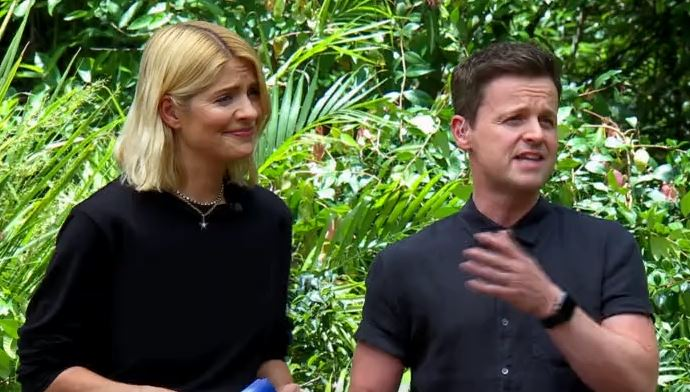 Holly Willoughby jumper I'm A Celebrity