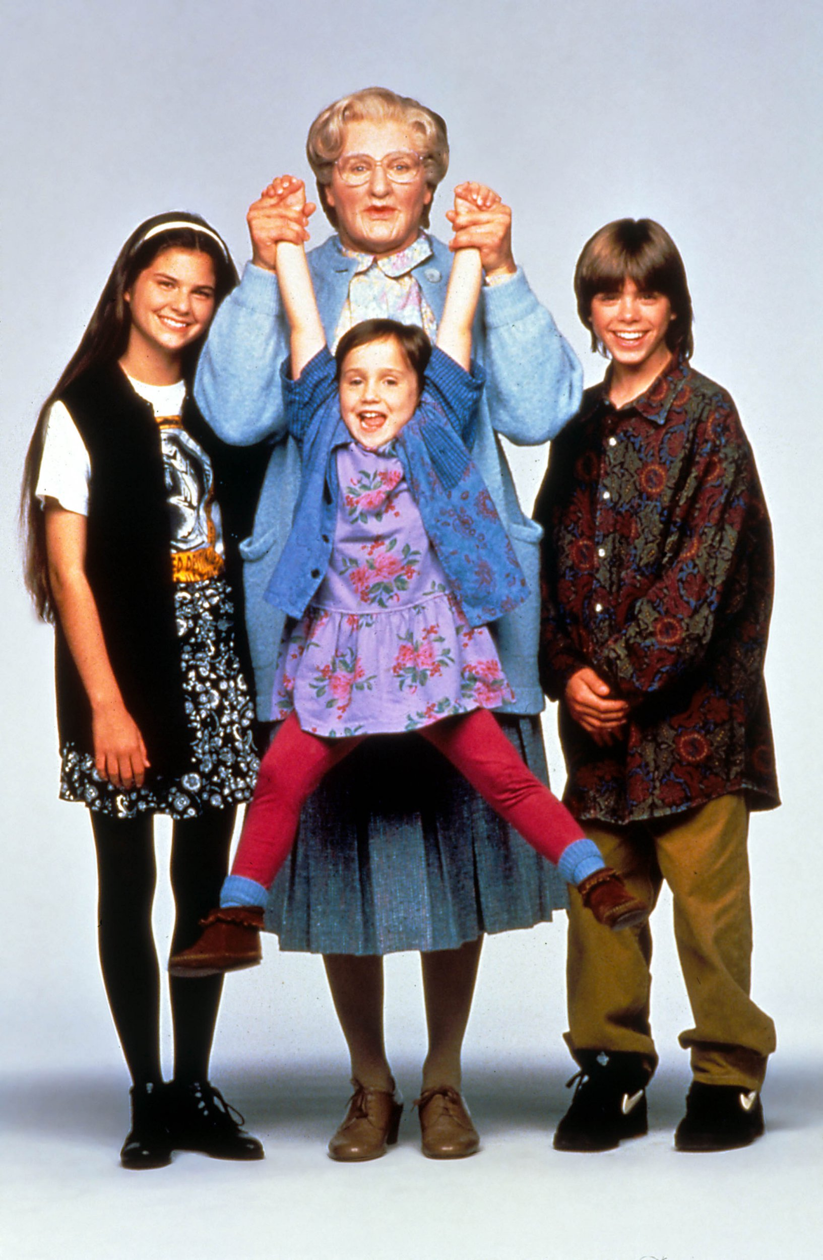 Editorial use only. No book cover usage. Mandatory Credit: Photo by Moviestore/REX/Shutterstock (1577462a) Mrs Doubtfire, Lisa Jakoub, Robin Williams, Mara Wilson, Matthew Lawrence Film and Television