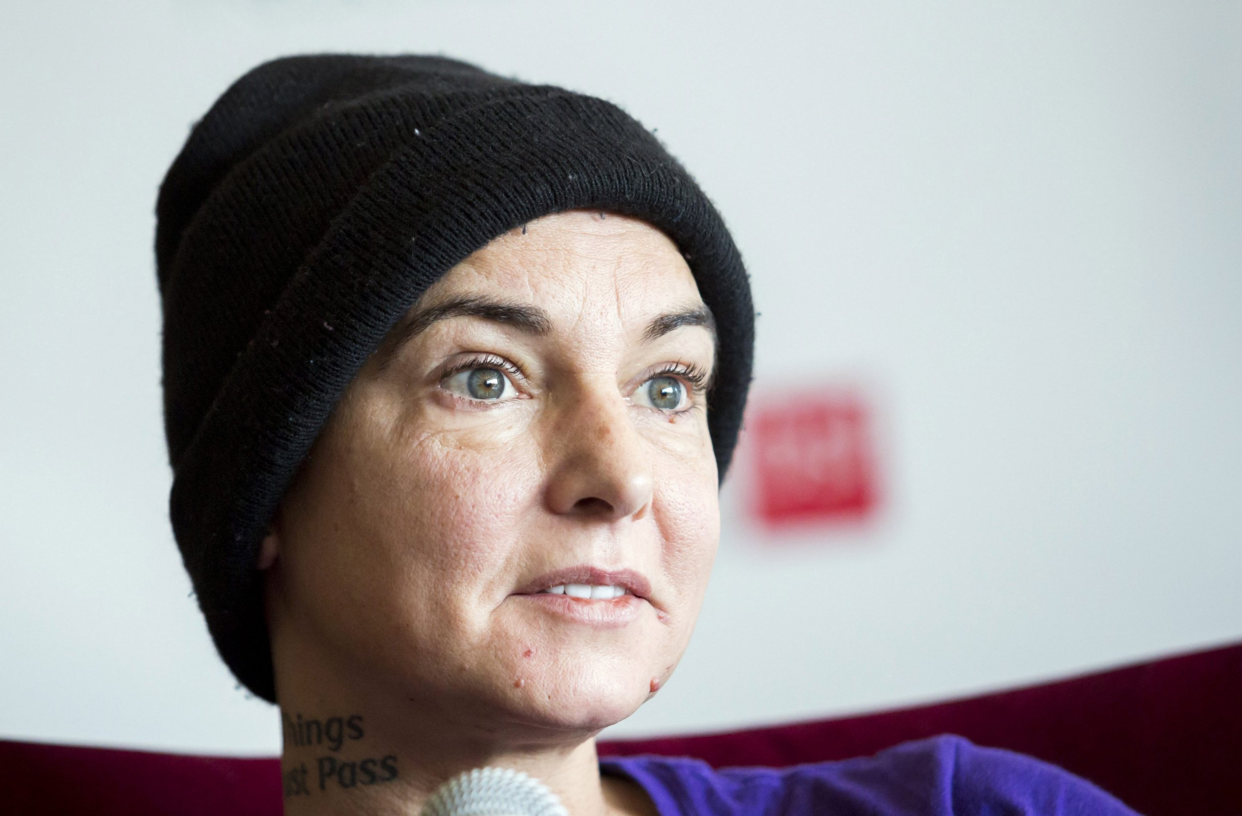 epa07120850 (FILE) - Irish singer-songwriter Sinead O'Connor attends a press event during the Budapest Spring Festival in the Marriott Hotel in Budapest, Hungary, 22 April 2015 (reissued 26 October 2018). According to media reports, Sinead O'Connor has announced her conversion to Islam, changing her name to Shuhada' Davitt on social media. EPA/BALAZS MOHAI HUNGARY OUT *** Local Caption *** 52760476