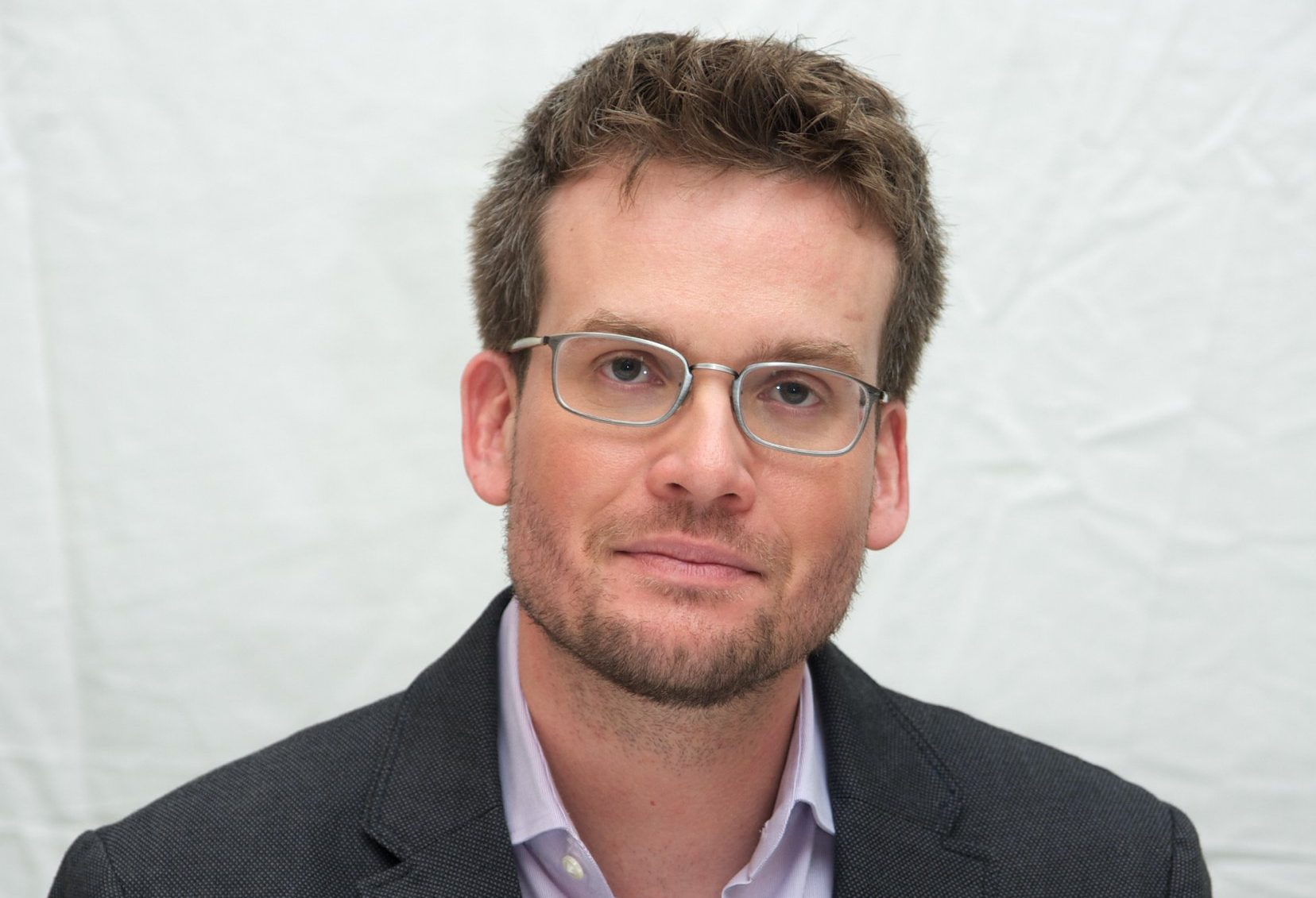 """WEST HOLLYWOOD, CA - APRIL 24: Author John Green at the """"Paper Towns"""" Press Conference at The London Hotel on April 24, 2015 in West Hollywood, California. (Photo by Vera Anderson/WireImage)"""