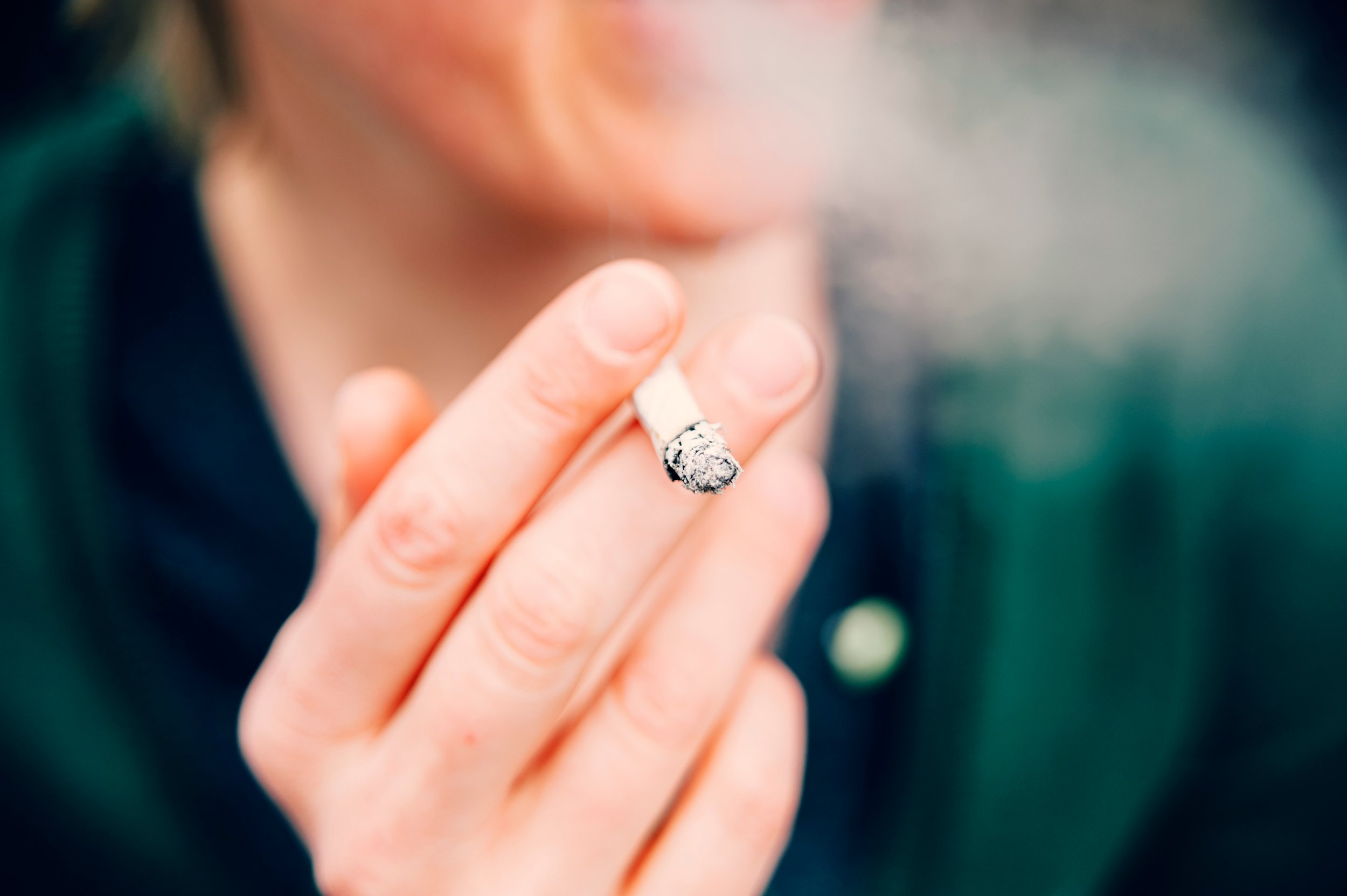 Women who smoke are more likely to have heart attack than men