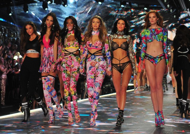 New York, NY - Kendall Jenner and models at the 2018 Victoria's Secret Fashion Show at Pier 94 on November 8, 2018 in New York City. Pictured: Winnie Harlow, Gigi Hadid and Kendall Jenner BACKGRID USA 8 NOVEMBER 2018 BYLINE MUST READ: MediaPunch / BACKGRID USA: +1 310 798 9111 / usasales@backgrid.com UK: +44 208 344 2007 / uksales@backgrid.com *UK Clients - Pictures Containing Children Please Pixelate Face Prior To Publication*