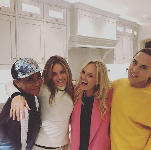 METRO GRAB VIA INSTAGRAM Spice Girls - Geri Horner, Emma Bunton, Mel B, Mel C https://www.instagram.com/p/BqAlr-vg-HD/