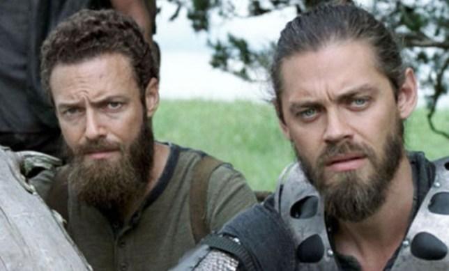 The Walking Dead Season 9 Spoilers Jesus And Aaron Romance