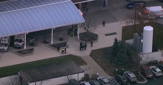 Policeman fighting for life after gunman 'opens fire' in Chicago hospital ABC