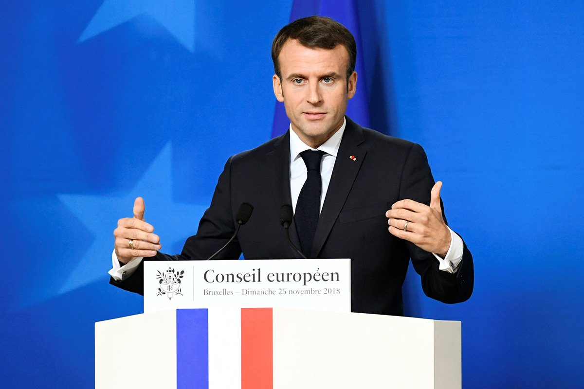 Leave campaigners 'lied' that Brexit would make Britain richer, Emmanuel Macron says