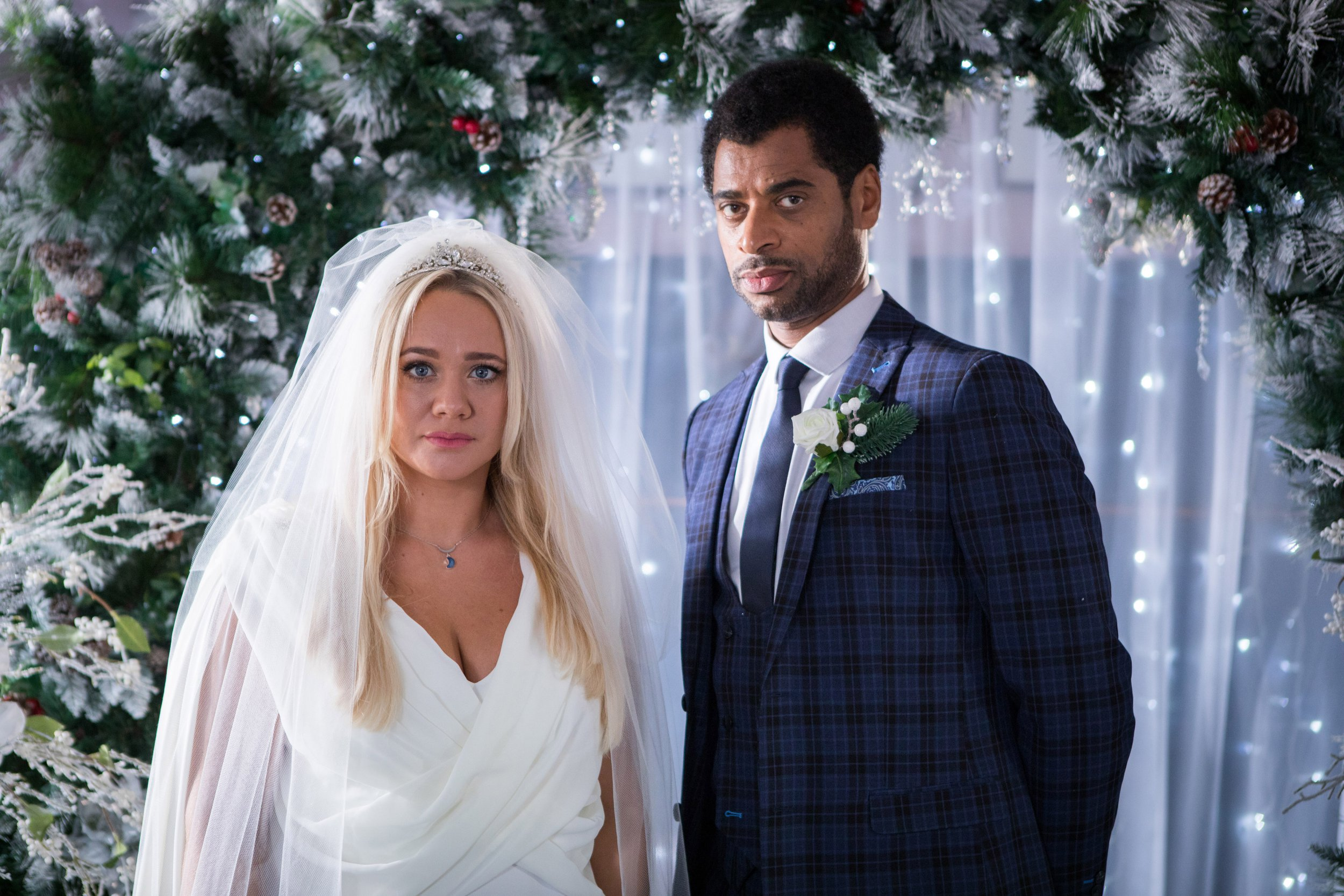 SIMONE AND MARTINE STOP THE WEDDING BETWEEN LOUIS AND LEELA