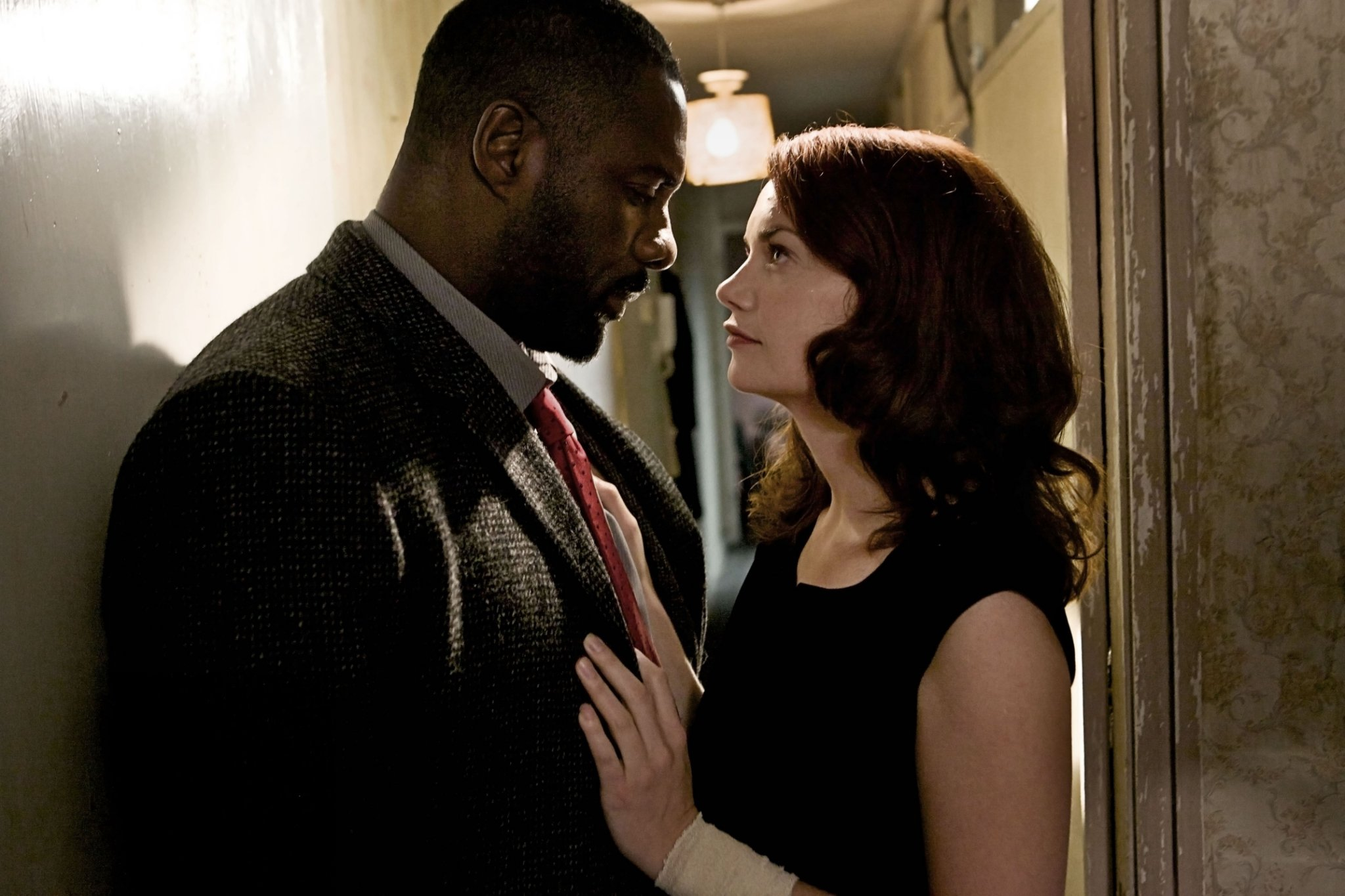 When is Luther back with season 5 and is Alice Morgan alive?