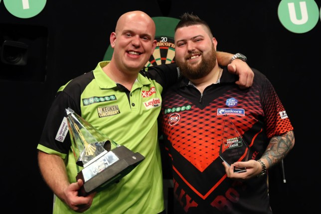 What time is the PDC World Darts Championship final on
