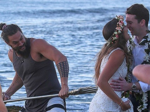 Jason Momoa genuinely won't let Aquaman trident go IRL as he crashes couples' wedding