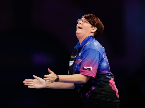 Four-time champ Lisa Ashton beaten in BDO World Championship first round by Mikuru Suzuki