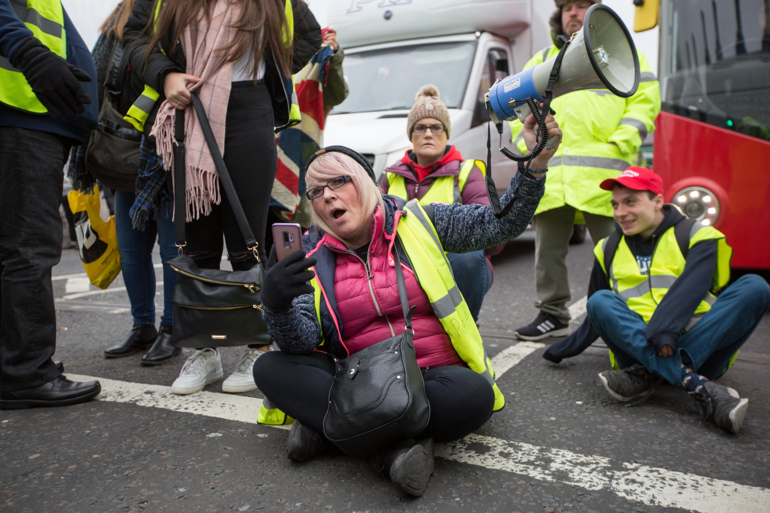 Alamy Live News. R8AJMD London, UK. 14th December, 2018. Pro Brexit Protesters block Wesminster Bridge and march to Parliament wearing hi-vis yellow vests reminscent of the recent French protests Credit: George Cracknell Wright/Alamy Live News This is an Alamy Live News image and may not be part of your current Alamy deal . If you are unsure, please contact our sales team to check.