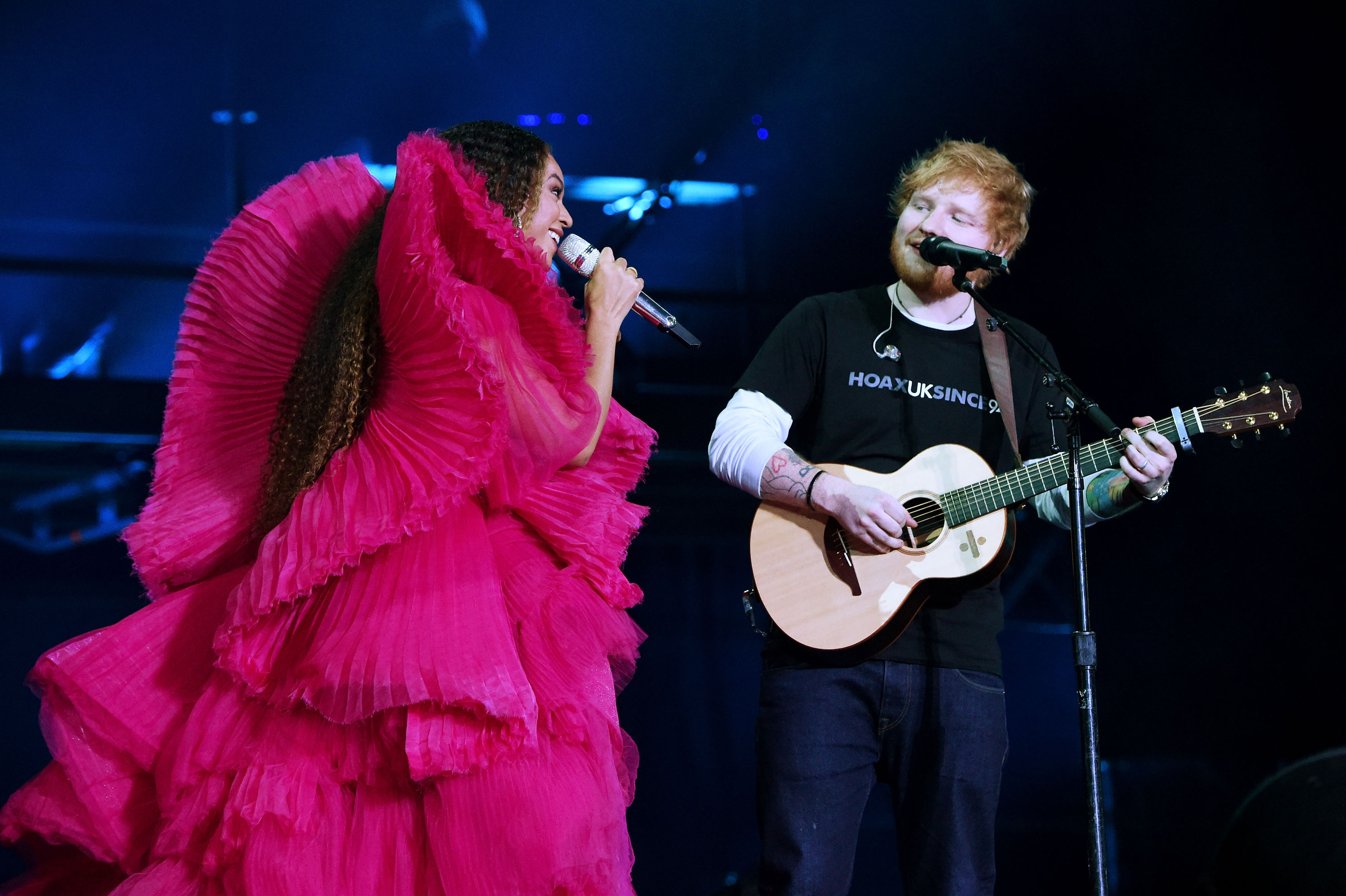 People are angry Ed Sheeran wore a t-shirt while Beyonce wore couture during their Global Citizen performance