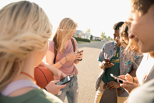 As a 12-year-old girl, I know exactly how parents should deal with my generation's social media addiction