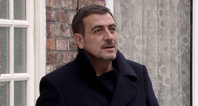 Peter Barlow hits rock bottom in Coronation Street