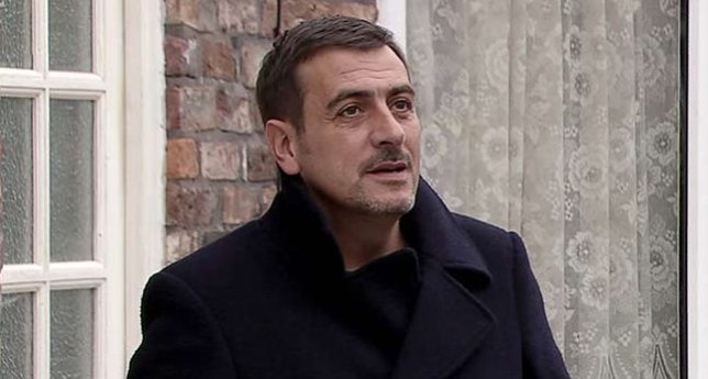Peter Barlow hits rock bottom in Coronation Street