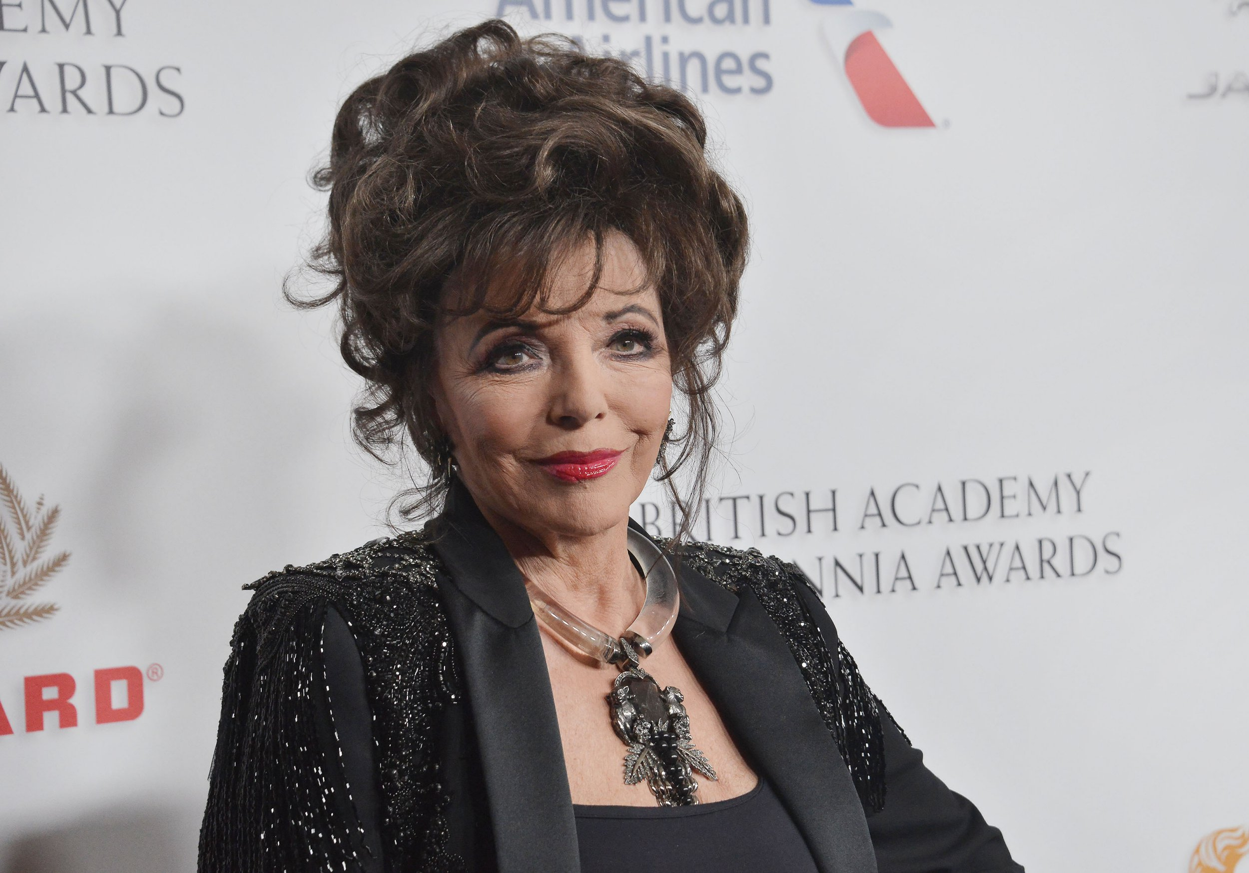 Joan Collins arrives at the 2018 British Academy Britannia Awards held at The Beverly Hilton in Beverly Hills, CA on Friday, ?October 26, 2018. (Photo By Sthanlee B. Mirador/Sipa USA)