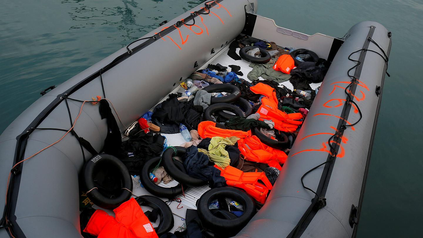 Survivors say up to 117 migrants may have died when a rubber dinghy capsized off Libya, a rescue official said