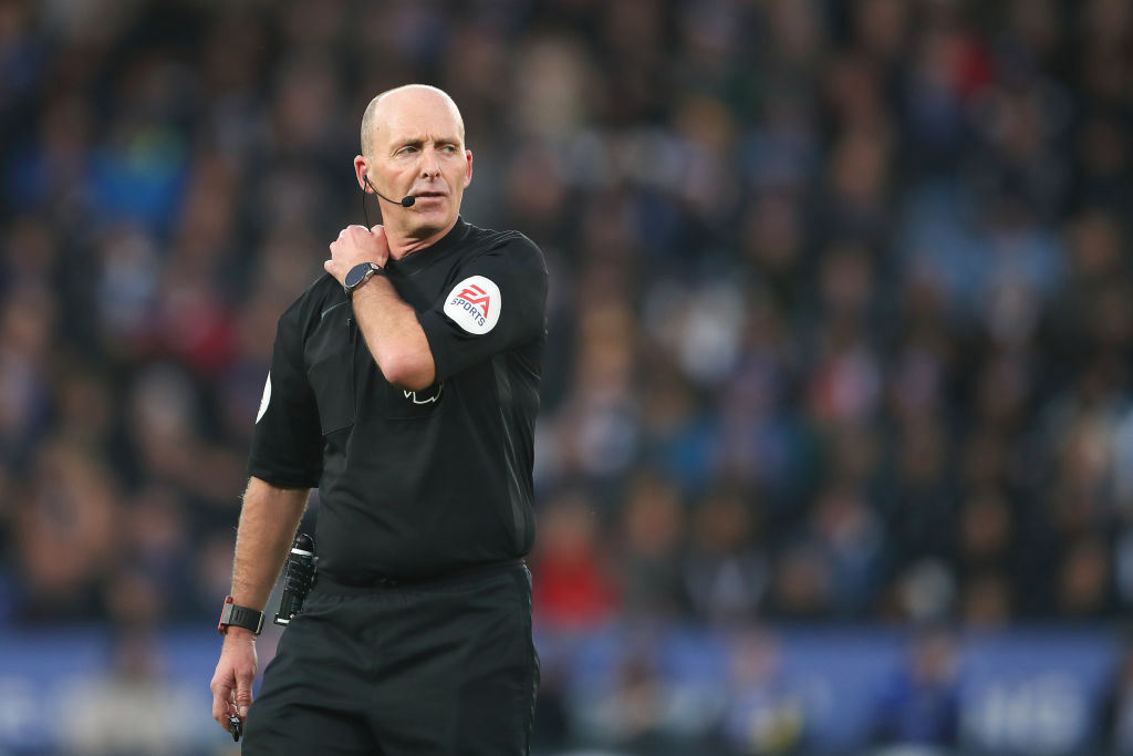 Mike Dean's referee stats as he takes charge of Leicester City vs Manchester United
