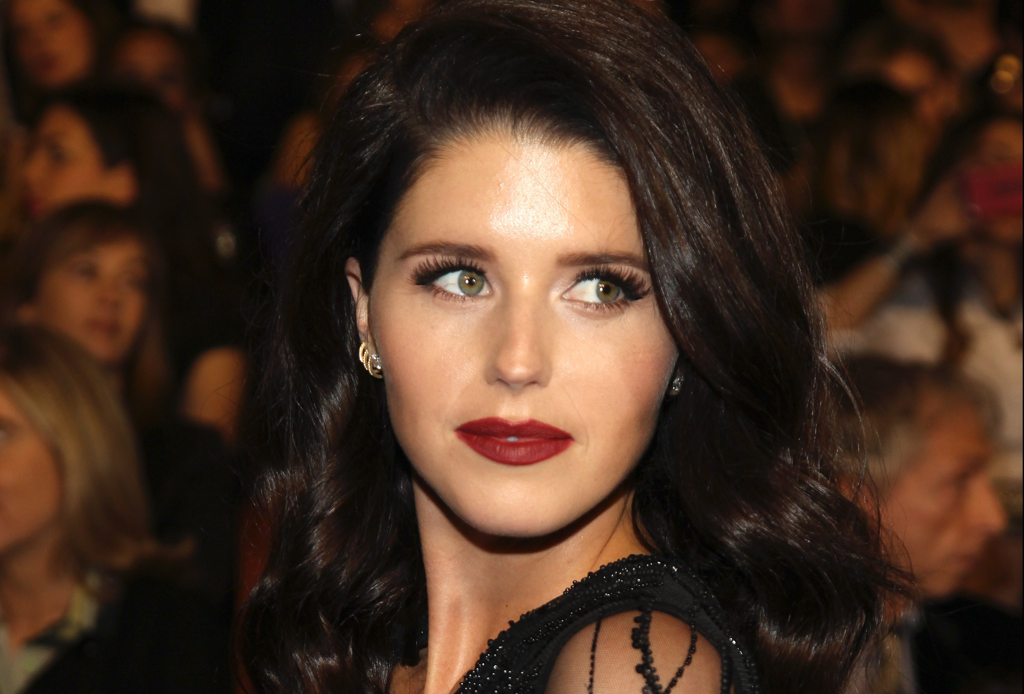 Who is Katherine Schwarzenegger and how old is she as she gets engaged to Chris Pratt?