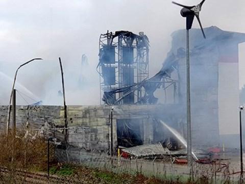 Man's entire belongings destroyed in self-storage fire in Croydon