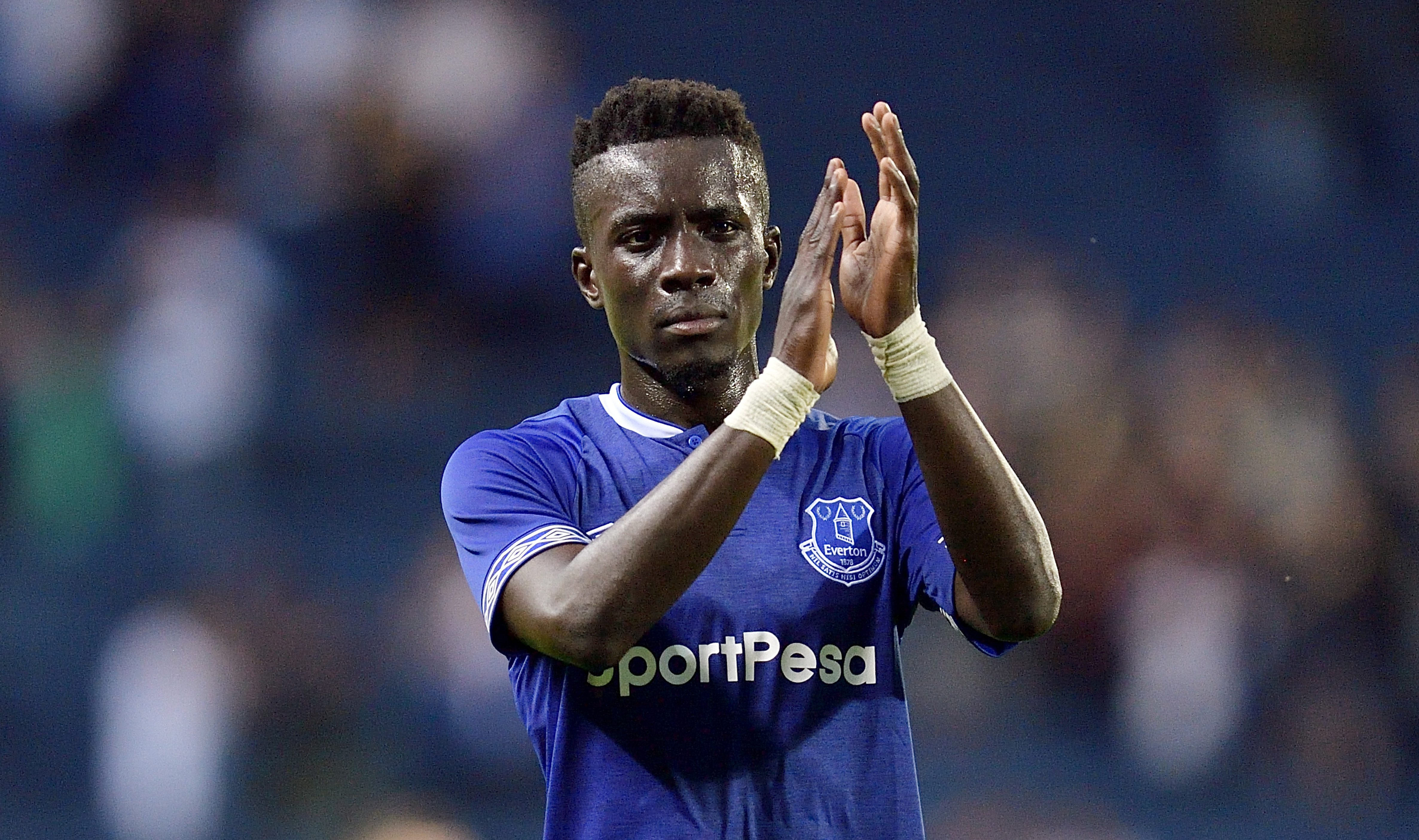 Arsenal enter race to sign Everton midfielder Idrissa Gueye ahead of Paris Saint-Germain